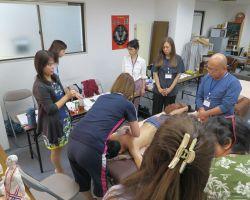 背中の排酸術実習